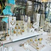 ✨ Saturdays in Montmartre ✨ ✨Call & Collect 🌙 ✨La boutique vous accueille sur rendez-vous dès Samedi de 11h à 18h pour le click & Collect ✨ Ou bien vous pouvez aussi faire votre shopping en restant chez vous via nos stories💛 Livraison offerte✨🌙www.schadestore.com 💛 #clickandcollect #abbesses #montmartre #handmadejewelry #shoppingaddict #paris #jewelry #jewelryaddict #montmartreaddict #stone #preciousstones #happyweekend #love #artisantfrançais #commerceindependant