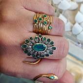 ✨Passion Émeraudes✨ A découvrir sur l'Eshop! Compo de bagues Émeraudes et diamants Click & Collect 💫 www.schadestore.com En boutique à partir de Samedi de 12h à 18h sur rendez-vous 🌙 • • • #snake #diamond #joaillerie #clickandcollect #ring #emeraude #bohoaddict #handmadejewelry #jewelry #bohostyle #faitmain #montmartre #fashionstyle #parisianstyle #paris #preciousstones #modelife #stone #ring #bijouxcreateur #modernlife #modernlifestyle #schadejewellery #gipsy #gipsystyle #bohostyle #montmartreaddict