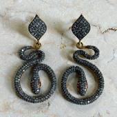 ✨Love Snake✨ Boucles serpents Ires Diamants rubis 🌙 ✨Réservation sur demande✨ www.schadestore.com